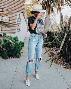 How to Build a Summer Capsule Wardrobe - thatgirlArlene Source by ashleypellino brunch outfit Summer Brunch Outfit, Classy Summer Outfits, Summer Outfit For Teen Girls, Plus Size Summer Outfit, Womens Fashion Casual Summer, Fashion Women, Summer Chic, Women's Fashion, Casual Brunch Outfit