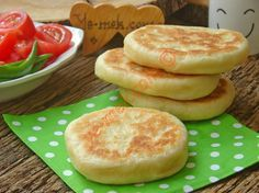 Pita Ekmeği Resimli Tarifi - Yemek Tarifleri Breakfast Items, Breakfast Recipes, Pancake Recipes, Greek Cooking, Salty Snacks, Bread And Pastries, Turkish Recipes, Appetizer Recipes, Food And Drink