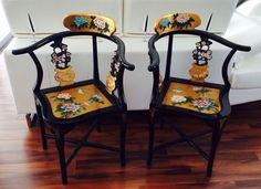 Vintage Oriental Black Lacquer Asian Decorated Corner Chairs Pair Super Nice !