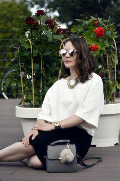 Alina Ermilova | Fashion Blogger | Monochrome Outfit | Photography | Mirrored Sunglasses | Zara White Top