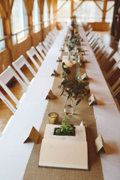Sweet earthy table decor | Image by L&L Style Photo