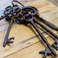 Antique Skeleton Keys on Ring, Brown Cast Iron  6 to 8 inch Jailer Key Set