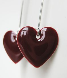 Oxblood heart earrings Shades Of Burgundy, Burgundy Wine, Burgundy Color, Magenta, Purple, Color Borgoña, Color Combos, Marsala Wine, Fall Jewelry