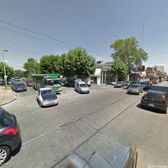Linea 85 Interno 18 Todo Bus Pompeya II Agrale MT15 . Avenida Hipólito Yrigoyen 699, Quilmes, Buenos Aires, Argentina | Instant Google Street View