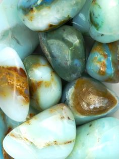 TURQUOISE- helps with stomach aches, cures infections, alleviates pain, reduces inflamm. Crystals Minerals, Rocks And Minerals, Crystals And Gemstones, Stones And Crystals, Blue Stones, Shades Of Turquoise, Turquoise Gemstone, Green Turquoise, Turquoise Jewelry