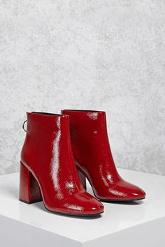 A pair of textured faux patent leather ankle boots featuring an almond toe, an exposed back zipper, a high-polish pull ring and a chunky heel. Red Ankle Boots, Block Heel Ankle Boots, Leather Ankle Boots, Ankle Booties, Heeled Boots, Shoe Boots, Zara, Red Shoes, Me Too Shoes