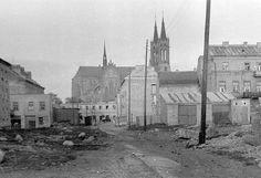 Białówny x ul. w oddali ul. Barcelona Cathedral, Poland, History, Building, Places, Travel, Painting, Historia, Viajes