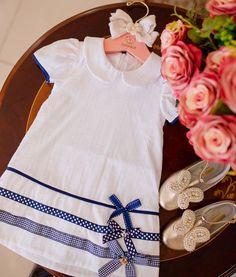 """AMORECO - Loja Exclusiva❤️ on Instagram: """"Aquele vestido trapézio cheio de charme 🥰❤️ Amoreco é feito com Amor ❤️ #novacolecao Mundo Mágico Amoreco ————————— VENDAS/INFORMAÇÕES.: 💻…"""" Girls Dress Pic, Little Girl Outfits, Little Dresses, Little Girl Dresses, Toddler Outfits, Kids Outfits, Baby Girl Frocks, Frocks For Girls, Baby Girl Fashion"""