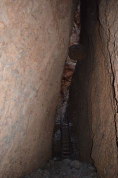 Deep into Echidna Chasm. Do watch for falling boulders.