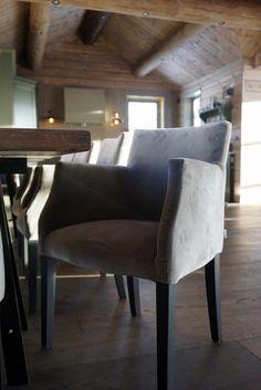 Innredning av hytta - Villa Von Krogh Wingback Chair, Armchair, Accent Chairs, Dining Chairs, Villa, Furniture, Home Decor, Sofa Chair, Upholstered Chairs