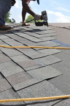 A couple of weeks ago we published a two-part series showing how a local roofing contractor shingled a roof with architectural shingles. This Project Guide is a combination of those two articles, and it covers replacing the existing roof decking, installing underlayment and ice dam protection, laying the first row, laying shingles in the field, …