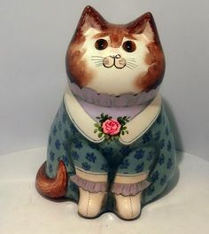 """A lovely Joan and David De Bethel cat in very good/ excellent condition and is just over high. Caption on the back states """" If you have a shadow behind you the sunshine is in front"""" and is marked on the bottom with the date 1981 Joan David, Maneki Neko, Paper Mache, Cat Art, Painted Rocks, Pottery, Ebay, Cats, Cat Things"""
