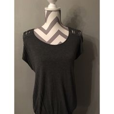 Forever 21 Top Size L fits more like Medium Forever 21 Tops Blouses