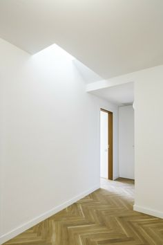 Reforma+interior+de+un+ático+y+un+sobreático+/+Cavaa+Arquitectes