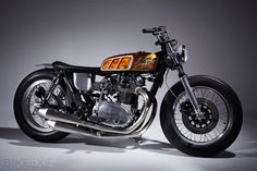 Mark Huang's slammed 1982 Yamaha XS650. Drop dead gorgeous.