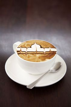 Creative Coffee Latte Art Designs That Will Energize You Just By Looking what! the taj majal! the taj majal! Cappuccino Art, Coffee Latte Art, Cappuccino Machine, I Love Coffee, My Coffee, Coffee Beans, Coffee Maker, Chocolates, Taj Mahal