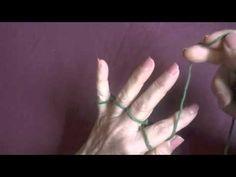 tejiendo con los dedos