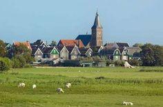 488796-marken-een-oud-dorpje-in-nederland.jpg (450×297)