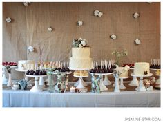 Rustic Wedding Backdrops | DIY: Creative Photobooth Backdrops