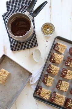 Pistachio and Dark Chocolate Krispie Treats