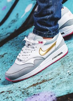 Nike Air Max 1 Pink Pack - 2007 (by schuhspannerblog)
