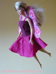 Il était une fois une bêtise de maman... à présent réparée Barbie Style, Pop Couture, Sewing Dolls, Mannequin, Ballet Skirt, Costumes, Skirts, Clothes, Tutorial