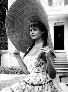 Brigitte Bardot in very big hat