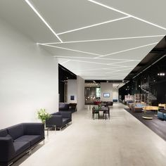 60 Ideas wall paper modern office bedrooms in 2020 Office Ceiling Design, Gypsum Ceiling Design, House Ceiling Design, Ceiling Design Living Room, Bedroom False Ceiling Design, False Ceiling Living Room, Ceiling Light Design, Ceiling Decor, Office Interior Design