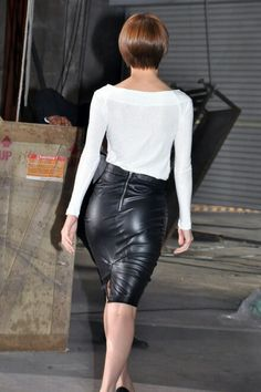 Black Leather Skirts, Leather Dresses, Amy Childs, Most Beautiful Hollywood Actress, Sexy Skirt, Leather Fashion, Her Style, Vegan Leather, Tight Skirts