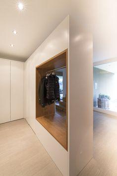 #Einfamilienhaus #Flachdach #Überdachte Terrasse #Massivbau # L-Form# moderne Architektur L-Form# klares Design