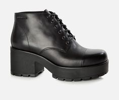 Vagabond - DIOON. Platform ankle boot   design with a squared toe and lace up front. Team with your favourite skirt!