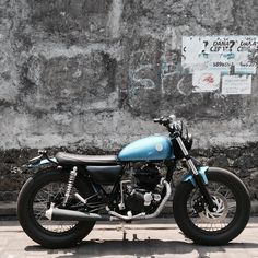 Don't miss any update about Motor Custom. Let's share your custom motorcycle here and use hashtag… Motor Scrambler, Honda Scrambler, Scrambler Motorcycle, Moto Bike, Yamaha 125, Triumph Cafe Racer, Cafe Racer Bikes, Cafe Racers, Classic Motors