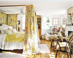 Alexandra Stoddard's lovely yellow bedroom