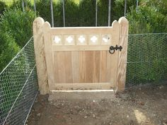 Metal Gates, Diy Furniture Plans, Garden Fencing, Porch Swing, Animal Shelter, Restoration, Outdoor Decor, Garden Ideas, Home Decor