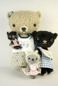 Artist Bear MohairMiniature by LaventimeDreams on Etsy Plush Dolls, Doll Toys, Vintage Teddy Bears, Cute Stuffed Animals, Bear Doll, Cute Toys, Toy Craft, Soft Sculpture, Fabric Dolls