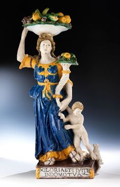 Wir danken Giancarlo Gentilini für die Katalogisierung. Giovanni della Robbia ist der berühmteste, produktivste und originellste der fünf Kinder des Andrea ... Antique Tiles, 10 Picture, Italian Renaissance, Parisian, Sculptures, Disney Characters, Lemon Curd, Inspiration, Collection