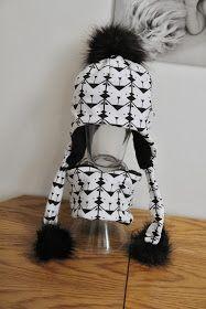 Když jsem tenhle typ čepice zahlédla u Veru Wear ,   byla to láska na první pohled.   Hned jsem věděla, že se musím něco podobného poku...