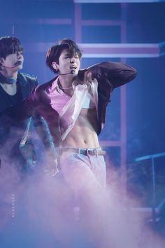 jesus is korean perhaps i screamedpic.twitter.com/2BcfDynYhQ