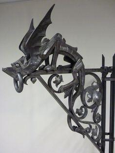 Antique for sale Bracket with dragon neo gothic sculpture Pierre Boulanger Animal sculpture Sculpture Fine arts architecture