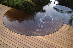 stunning contemporary water feature set into deck - Jamie Durie, Chelsea 09