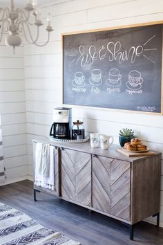 We're excited to share our DIY Chalk Paint Chandelier tutorial. We used the chandelier in our DIY Farmhouse Coffee Bar. This was the easiest DIY ever. - Farmhouse Decor - Home Decor - Vintage Market and Design Chalkpaint Coffee Bars In Kitchen, Coffee Bar Home, Home Coffee Stations, Coffe Bar, Inspire Me Home Decor, Diy Home Decor, Coffee Room, Coffee Mugs, Espresso Coffee