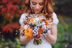 Olesya Gavrish Fast Flowers, Floral Arrangements, Wedding Flowers, Crown, Color, Blue, Corona, Flower Arrangement, Colour