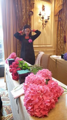 The Parisian life in pictures : a class with the rock star of flowers Jeff Leatham at the Four Seasons Hotel George V | The Parisian Eye