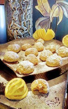 Κουλουράκια-μπισκοτάκια λεμονιού !!! ~ ΜΑΓΕΙΡΙΚΗ ΚΑΙ ΣΥΝΤΑΓΕΣ 2 Greek Recipes, Chocolate Cake, Biscuits, French Toast, Cupcakes, Sweets, Bread, Cookies, Breakfast