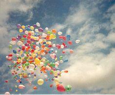 baloon at the sky