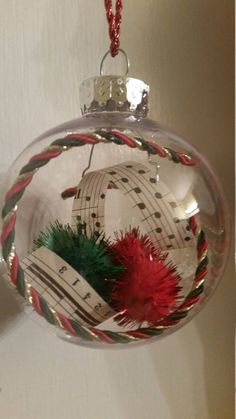 Glass Christmas Balls, Small Christmas Trees, Miniature Christmas Trees, Handmade Ornaments, Handmade Christmas, Christmas Diy, Christmas Bulbs, Diy Christmas Projects, Christmas Crafts For Adults