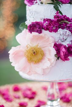 Photography: Lauren Jolly Photography - www.laurenjollyphotography.com/  Read More: http://www.stylemepretty.com/2014/09/26/garden-glam-wedding-inspiration/