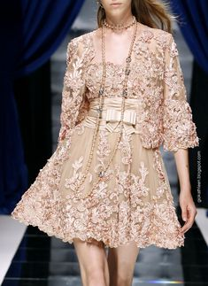 :Zuhair Murad Haute Couture Fall-Winter 2010 - This reminds me of the material you bought. this would be cute to make out of it with a gold jacket. Fashion Details, Love Fashion, High Fashion, Fashion Design, Couture Fashion, Runway Fashion, Womens Fashion, Valentino, Glamour