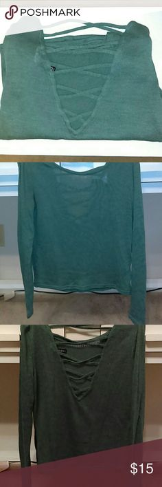 H&M knit cut out back top Seafoam Green see through knit top. Cut out back. Great condition. Size Small. A little cropped at the bottom. Divided by H&M. H&M Tops Crop Tops