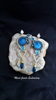 orecchini soutache blu teal, soutache, gioielli soutache, orecchini fatti a mano, gioielleria soutache, orecchini lunghi, ricamo soutache di ManuJewelsEmbroidery su Etsy